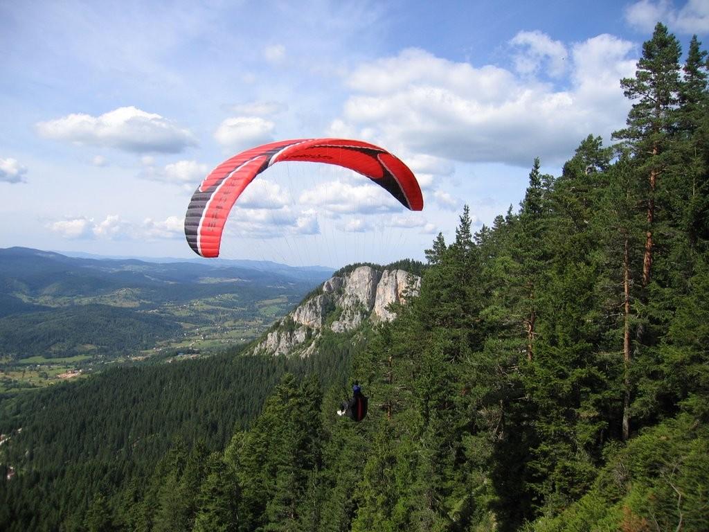 Kamena Gora, pravo mesto za učenje veštine upravljanja paraglajderom.